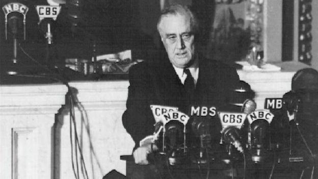 Франклин Рузвельт объявляет войну Японии (8 декабря 1941 года)