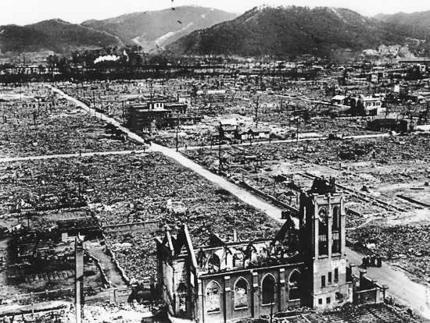 www.globalresearch.ca/wp-content/uploads/2014/08/hiroshima_afterbomb.jpg