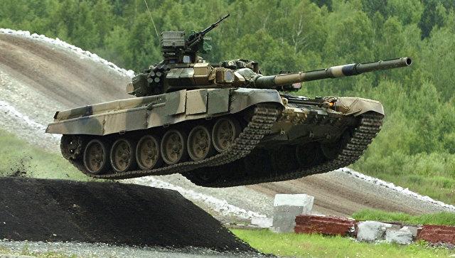 Россия вышла на первое место в мире по количеству танков и БМП