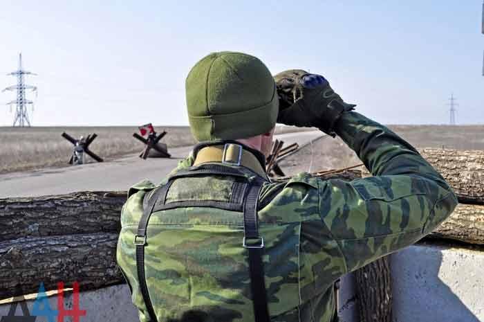 На Донбассе растет интенсивность обстрелов. Киев снова перебрасывает к линии фронта националистов