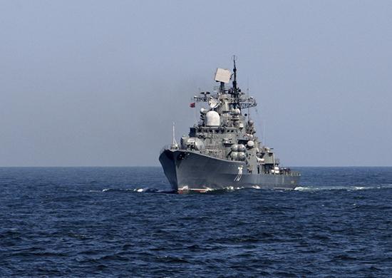 Эскадренный миноносец Тихоокеанского флота «Быстрый» провел артиллерийские стрельбы в Японском море