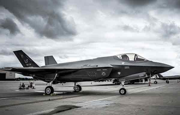 США передали Южной Корее первый истребитель пятого поколения F-35