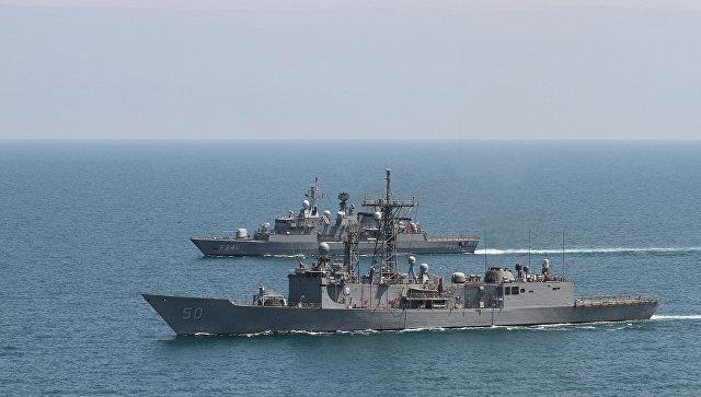 В Генштабе назвали американские корабли в Черном море угрозой