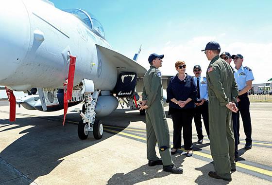 Минобороны Австралии получило первый самолет РЭБ EA-18G «Гроулер»