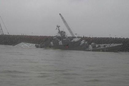 Крупнейший новый военный корабль Ирана переломился на две части