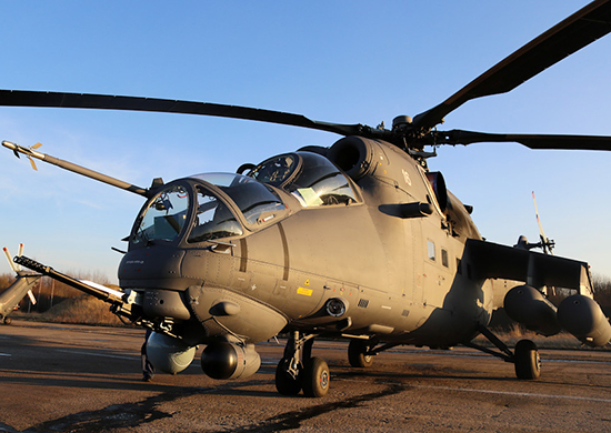 На авиабазу армейской авиации ЗВО в Псковской области поступили 2 новых вертолета Ми-35
