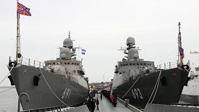 Первый замглавы Минобороны проинспектировал Каспийскую флотилию в Дагестане