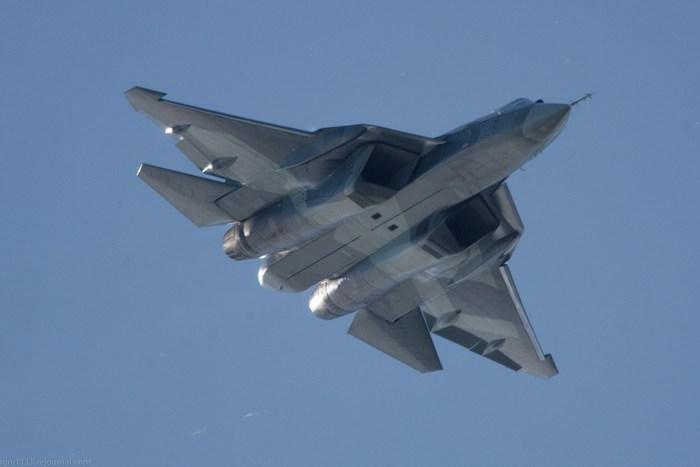 Поставки противоперегрузочного костюма для пилотов Су-57 начнутся не раньше 2019 года