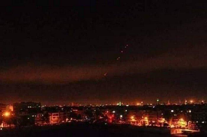 Сирийская ПВО отразила атаку израильских ВВС к югу от Дамаска