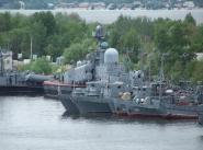 Корабли охраны водного района в бухте Золотой Затон.