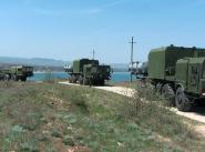 """Самоходные ракетные пусковые установки """"Бал"""" во время перехода в район проведения стрельб."""