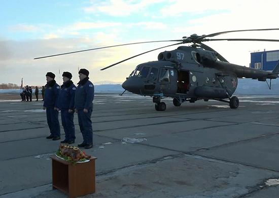 Морская авиация Тихоокеанского флота получила на вооружение новый арктический вертолет Ми-8АМТШ-ВА