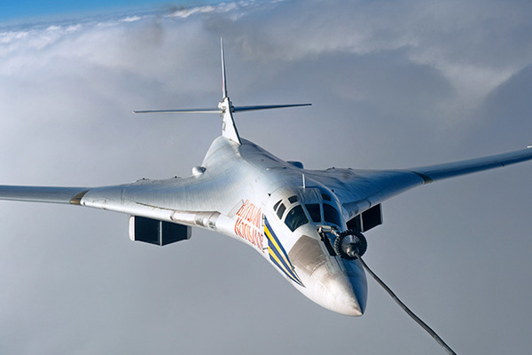 Зачем Россия возрождает сверхвузковой ракетоносец Ту-160