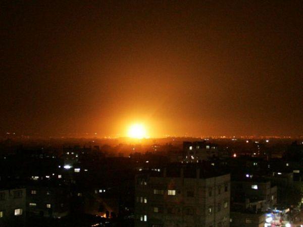 Израильская авиация нанесла удары по 18 целям в секторе Газы