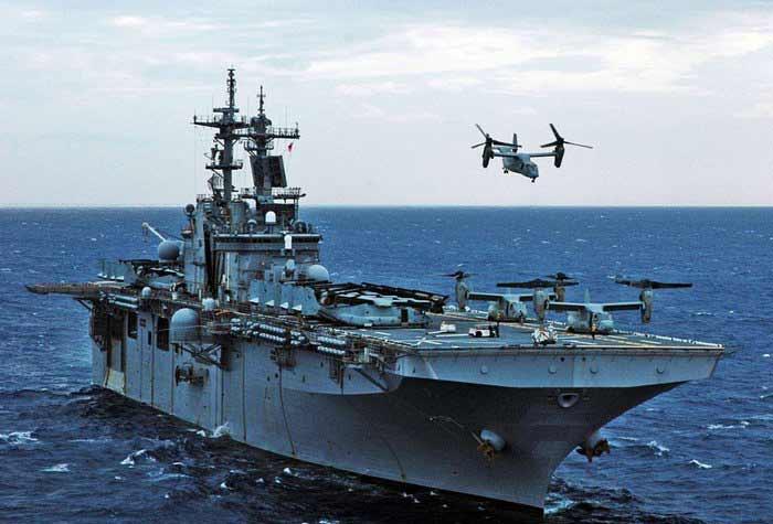 Два десантных корабля ВМС США вошли в Средиземное море